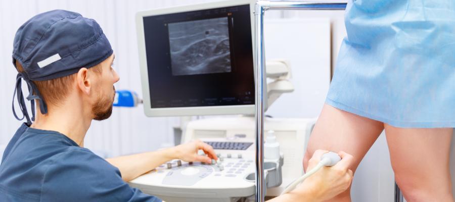 Como é feita a escolha de tratamento para varizes?